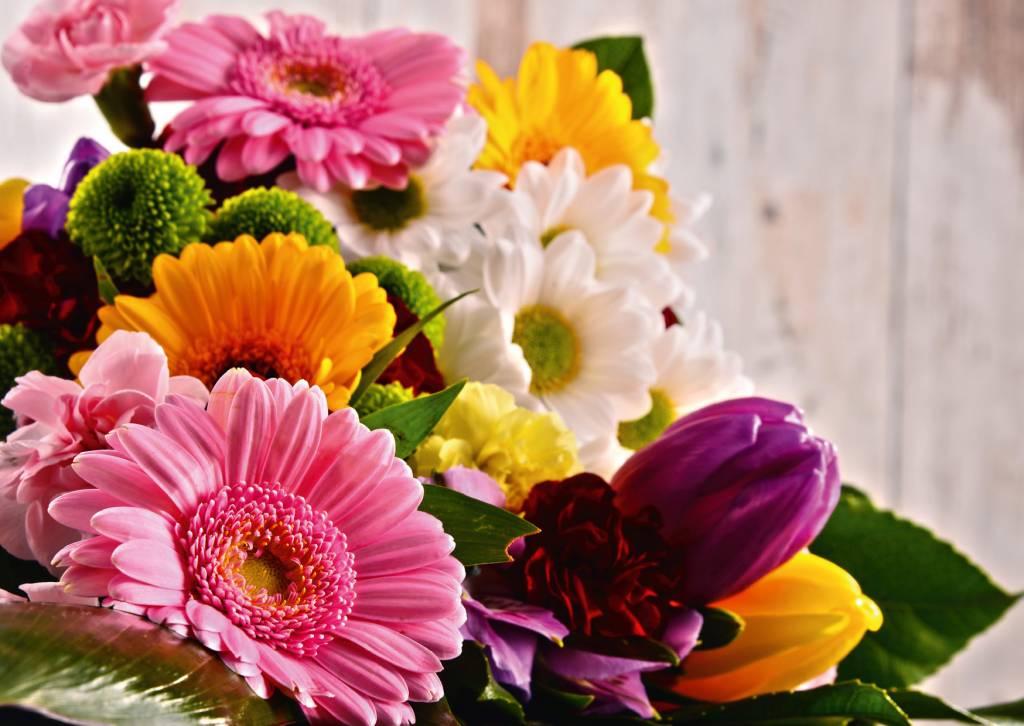Картинка с цветами ко дню учителя, женщинам